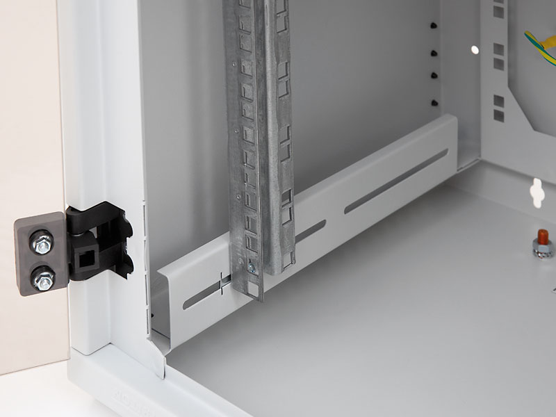 Nástěnný rozvaděč Triton RBA nedělený, nastavitelné vertikální lišty